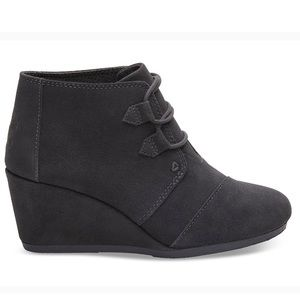 NWT Toms leather booties